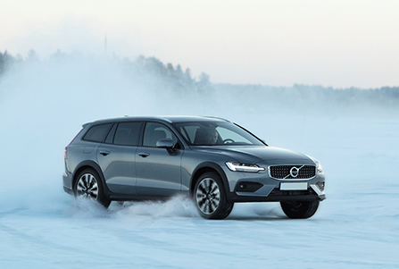 Управляемость на любой дороге Volvo V60 Cross Country